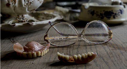 Common Dental Problems For Older Adults and How You Can Avoid Them